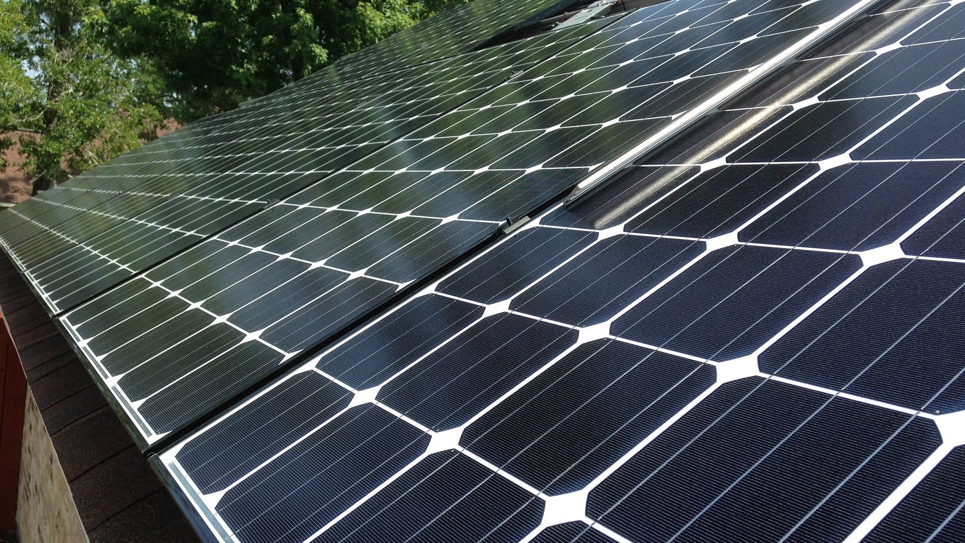 solar customers sue louisiana over tax credits